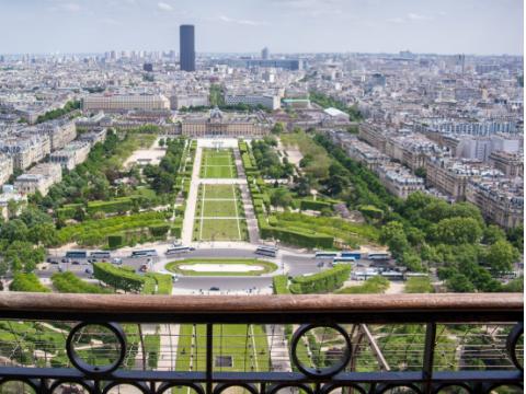 France_Paris_Eiffel-Tower_shutterstock_445878313