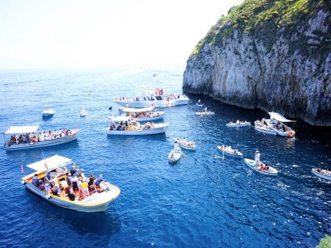 Italy_Capri_shutterstock_589895945