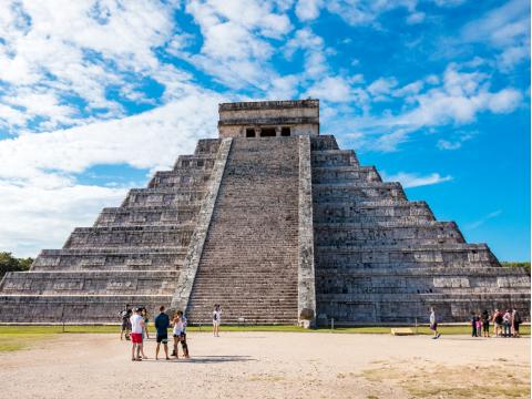 Mexico_Yucatan_Chichen_Itza_shutterstock_1054193258
