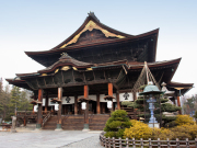 Japan_Nagano_Zenkoji_Temple_shutterstock_323268782