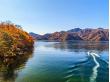 Japan_Tochigi_Nikko_Lake_Chuzenji_autumn_shutterstock_1060927595