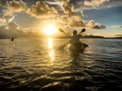 サンセット&ナイトカヤックツアー 夕陽も星空も一度に楽しむ癒しのトワイライトタイム!<市街地送迎無料/石垣島>