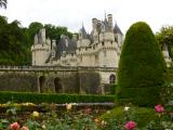 庭から見たユッセ城