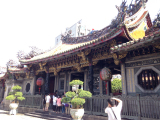 寺の中は、神様のいる場所だから、日本と同じく撮影は控えましょう。中国式?の参拝、楽しかったです♡