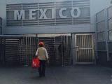 アメリカからメキシコに入国する入り口(検査もなしでした)、帰りのアメリカ入国時に入国審査ありでした。
