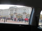 帰りの車中から見るバッキンガム宮殿