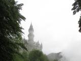 雨の中のノイシュヴァンシュタイン城