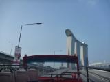 オープントップバスからの景色、その1。