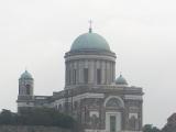 ドナウ川対岸から見たエステルゴムの聖堂