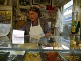 テスタッチョの市場の中にある美味しいパニーニ屋さん
