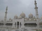 雨のモスク