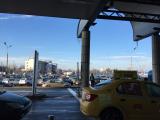 車と運転手さんの写真を撮るのを忘れたので空港についたときの写真です