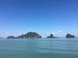 思ったよりずっと綺麗な色の海でした♪