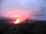 夜のキラウエア火山