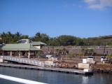 ラナイ島の港 階段を上がって歩いてビーチまで行けるよ!