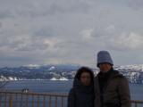 背景は厳寒の摩周湖です。