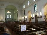 教会をたくさんまわります。とても良いです。