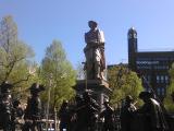 有名なレンブラント「夜警」を立体的に表した像