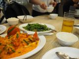 プーパッポンカレーと空芯菜が最初に来ました。