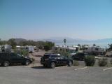 ミード湖が見える この様な景色の所で車の乗り換えがあります。