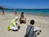 ビーチの砂質をレクチャー