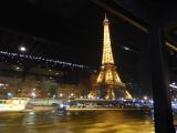 窓の外はセーヌの素敵な夜景