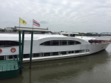 帰路のリバークルーズ船