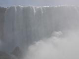 霧の乙女号で迫力満点の滝鑑賞
