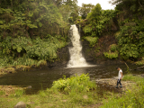 前日の雨で滝の水量はかなり増えていました。