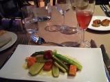 前菜&キール(白ワインに少量の黒スグリ(カシス)のリキュールを加えたもの)