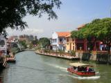 マラッカ海峡に続く運河