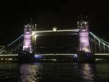ライトアップされたロンドンブリッジ