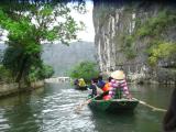 悠久の時を足漕ぎ舟で堪能