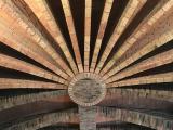 コロニアルグエル地下、天井です