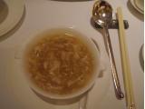 カニと燕の巣のスープ