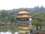水に映る金閣寺
