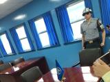 板門店のブルーの建物の中。軍事境界線を越えて北朝鮮側からの撮影。