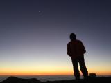 山頂に沈む夕陽