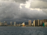 Huge cloud over Honolulu. What a site. No one even got wet! Lol