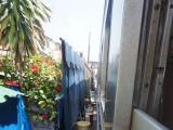 列車からの眺め。お店と近距離!