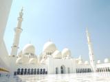 美しすぎる白亜のモスク、シェイク・ザイード・モスク。