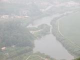 川の右側は北朝鮮
