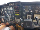 副操縦席からコックピット