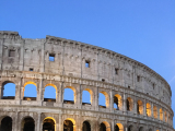 集合の一時間前にはコロッセオに着いて、先に写真撮影を楽しみました。