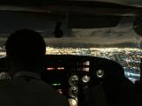 セスナ機内、パイロット席とは自動車内並みに近いです