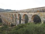 見事に残っている水道橋