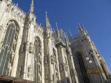 ミラノの顔、大聖堂ドゥオーモ。あまりの大きさと優美な姿にうっとりします。