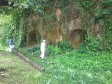タムニング日本軍洞窟跡(海軍司令部跡)中は迷路のようだが広い