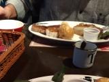 大きなお肉がテーブルに来ると、写真を撮るのも忘れて、食べちゃいました(*^^)v