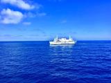 地中海上にてゴゾ島へ向かうフェリーからマルタ島へ戻る便を撮影